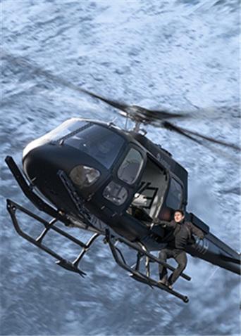 《碟中谍6:全面瓦解》幕后特辑 阿汤哥驾直升机挑战360度俯冲