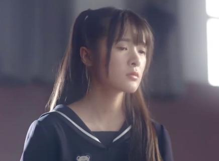《会痛的十七岁》终极版预告片 失痛症少女徐娇勇敢追爱胡夏