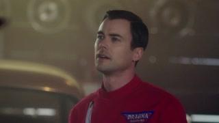 《穿越时间线》怀亚特杀了瑞恩抢走了车  可是炸弹已经被激活