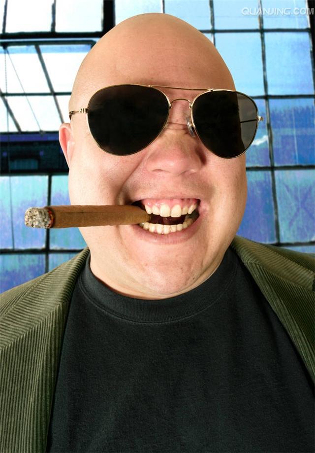表情 墨镜叼烟表情 带墨镜叼烟的卡通头像 黑墨镜金链子叼烟的歌 就要目录 表情