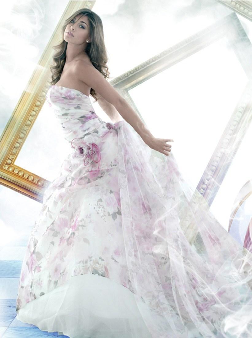 何艺纱的男朋友-洛前女友贝伦与男友举行了盛大的婚礼,意甲的性感女人身着婚纱美图片