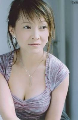 甘十九妹杨露_是90年代内地女演员,凭借主演中国内地武侠剧《甘十九妹》而成名.