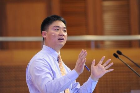 狂傲刘强东 一年赢利三四十亿也叫赚钱