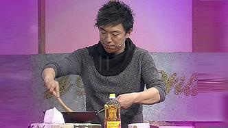 黄渤现场秀厨艺烹饪老北京炸酱面
