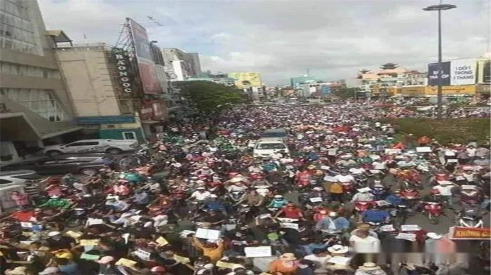 越南爆發激烈遊行,軍隊出擊鎮壓百姓,中有必要出面表態?