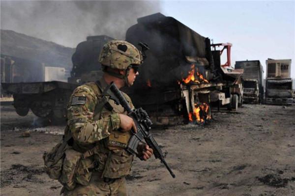 中東上空警報響起,俄轟炸機炸毀美軍指揮部,為伊朗報仇雪恨