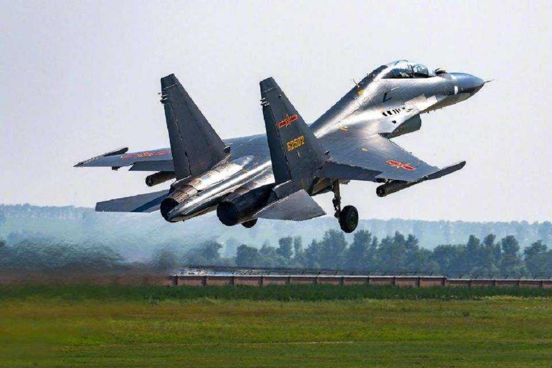 中美俄戰機最快速度,俄羅斯3.1馬赫,美國3.3馬赫,我國多少?