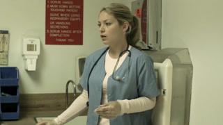 男子去医院看病吓傻护士