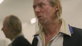 雷德诺将杀人犯的信息卖给了邓洛浦 但巴里.怀斯也发现了雷德诺