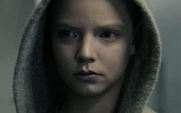 《摩根》中文预告片 被囚禁少女释放巨大能量