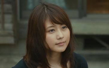 《夏美的萤火虫》中文预告片 有村架纯忆父落泪