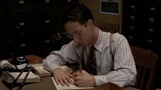 警员杰克去图书馆借阅资料调查这一切背后的故事 世间 都是唐人街