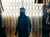 《叶问3》 之 张晋化身魅力反派,雨伞店内上演蒙面对决