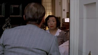 一名私家侦探受某贵妇人雇用调查其丈夫的婚外情 事情变得迷离