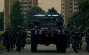 《红色警戒》超长预告片 现代犯罪拼狠拼智商