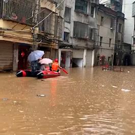 南昌发生内涝致村庄被淹