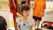 """小泡芙六岁生日派对扮""""冰雪女王""""  娇憨可爱越长越美"""