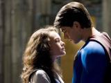 《超人归来》中文预告 世界归于和平英雄何去何从