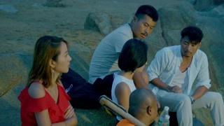 荒岛求生:五人被困孤岛 红衣美女还想着洗脸刷牙