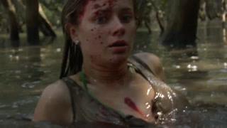 美女与鳄鱼的湿身肉搏
