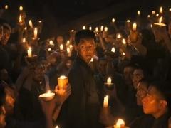 《军舰岛》首款预告 宋钟基被点点烛火包围