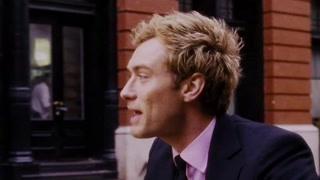 阿尔菲来到曼哈顿寻找迷乱的生活 而他本人对虚荣与谎言乐此不疲
