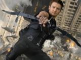 杰瑞米·雷纳苦练射箭 细腻演绎杀手鹰眼——《复仇者联盟》
