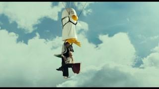 桂小太郎带着银时逃离了即将爆炸的飞船
