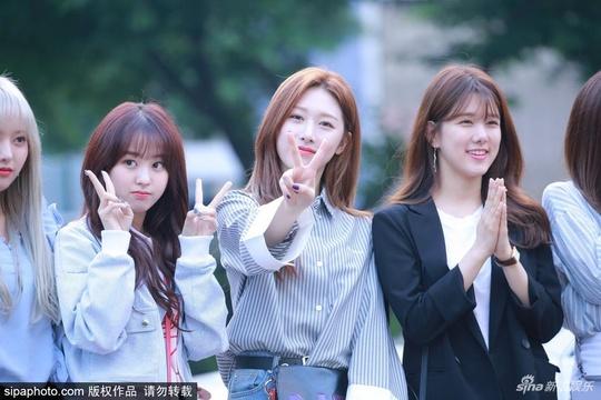 组图:韩国KBS《音乐银行》上班路 众女团亮相争奇斗艳