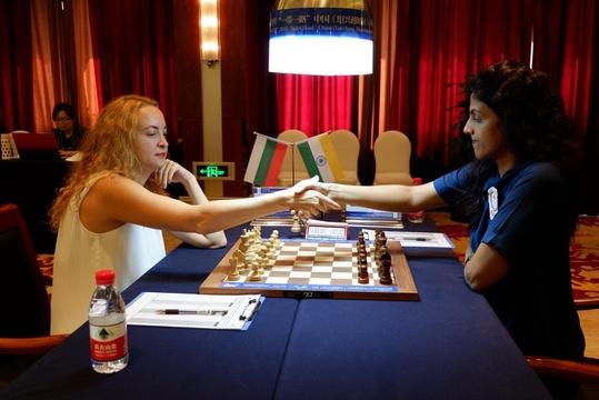 高清-绍兴女子国象公开赛最终轮 斯坦芳诺娃对阵哈丽卡