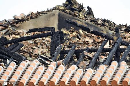 首里城向媒体公开火灾现场 重建面临难题