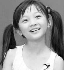 林妙可上高中了 昔日萝莉变身美少女