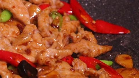 香辣可口且嫩如豆腐的蒜爆肉片 爽呆你的胃