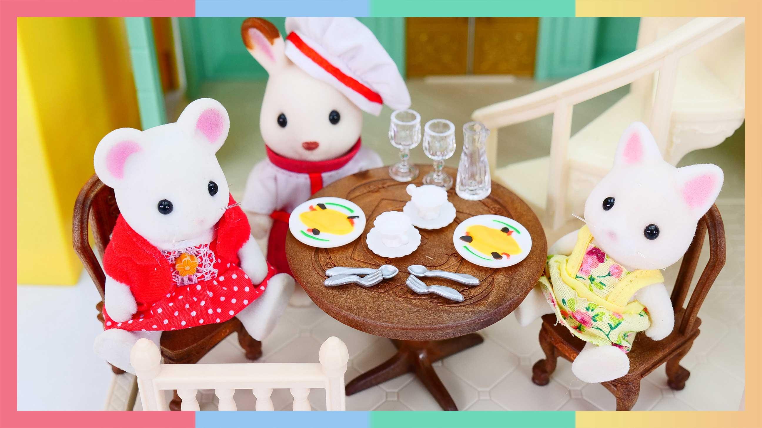 小凯利西餐厅开业啦!巨型花栗鼠来捣乱? | 凯利和玩具朋友们 CarrieAndToys