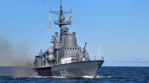 俄百艘战舰列阵向美施压