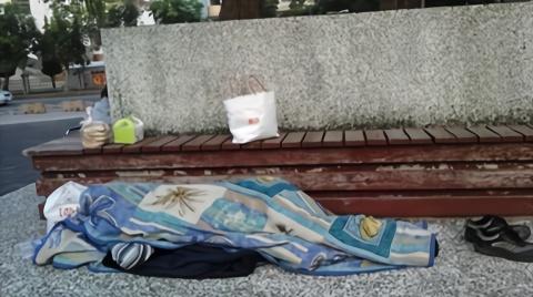 憾!香港演员无家可归 寒夜猝死街头