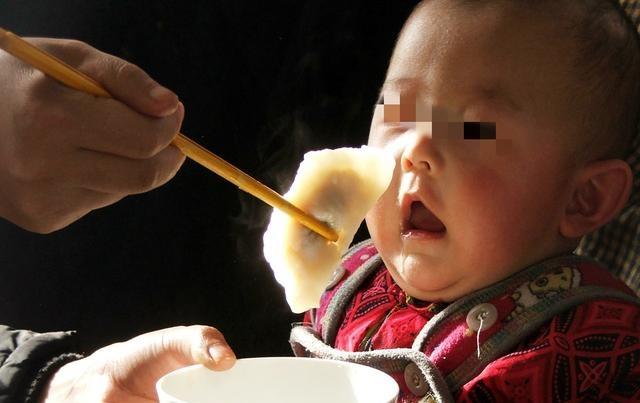 手游魔域私服发布网站139宝宝多大可以吃大人饭,很多家长不知道,过早吃不利于孩子健康