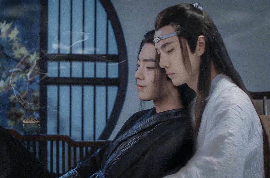 dnf私服网站魏无羡受伤昏迷,蓝忘机公主抱起他,一句话气的江澄吐血