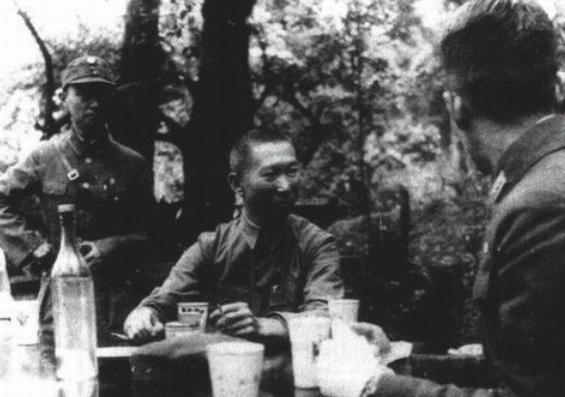 冒险岛私服怎么开外挂解放战争,老蒋为何不重用薛岳?看看这三仗他败得有多惨就懂了