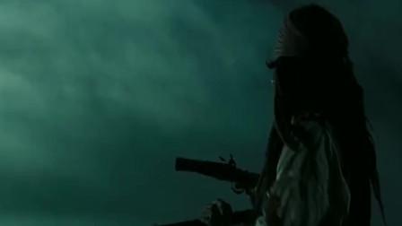 加勒比海盗:海面飘了具棺材,哪料伸出一只手,一枪打死停住的鸟