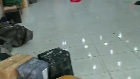 快递公司电脑里调出来的包裹和本人当天拆的包裹一致 而不是卖家举证