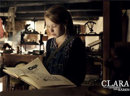 克莱拉和熊的秘密剧照