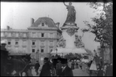 巴黎,共和国广场剧照